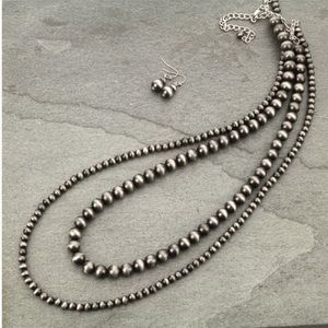 Jewelry - Navajo Style Pearl Necklace